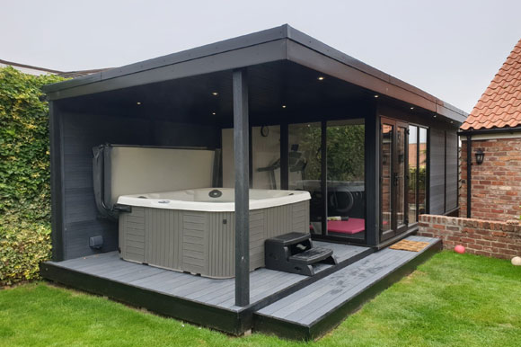 Relaxing Garden Room Hot Tub Retreat Peterborough